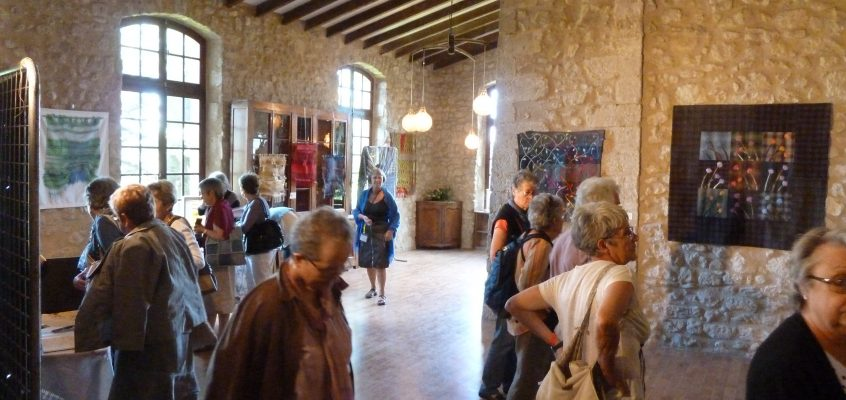 Le teaser of Aigu'illes en Luberon