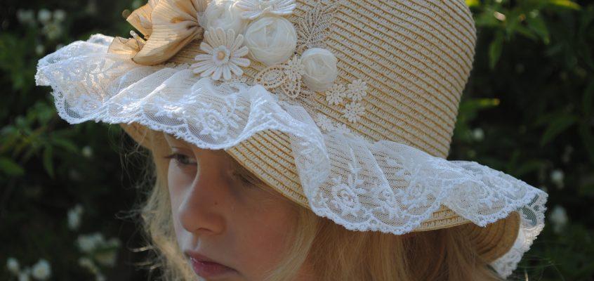 Cadeau du mois, le chapeau de Pauline et son panier assorti