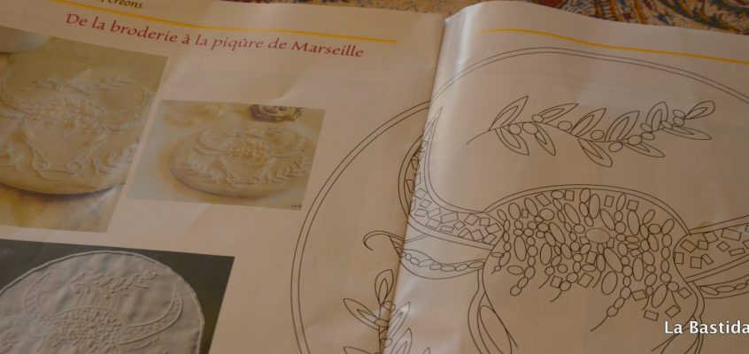de la Broderie à la Piqûre de Marseille, le taureau blanc