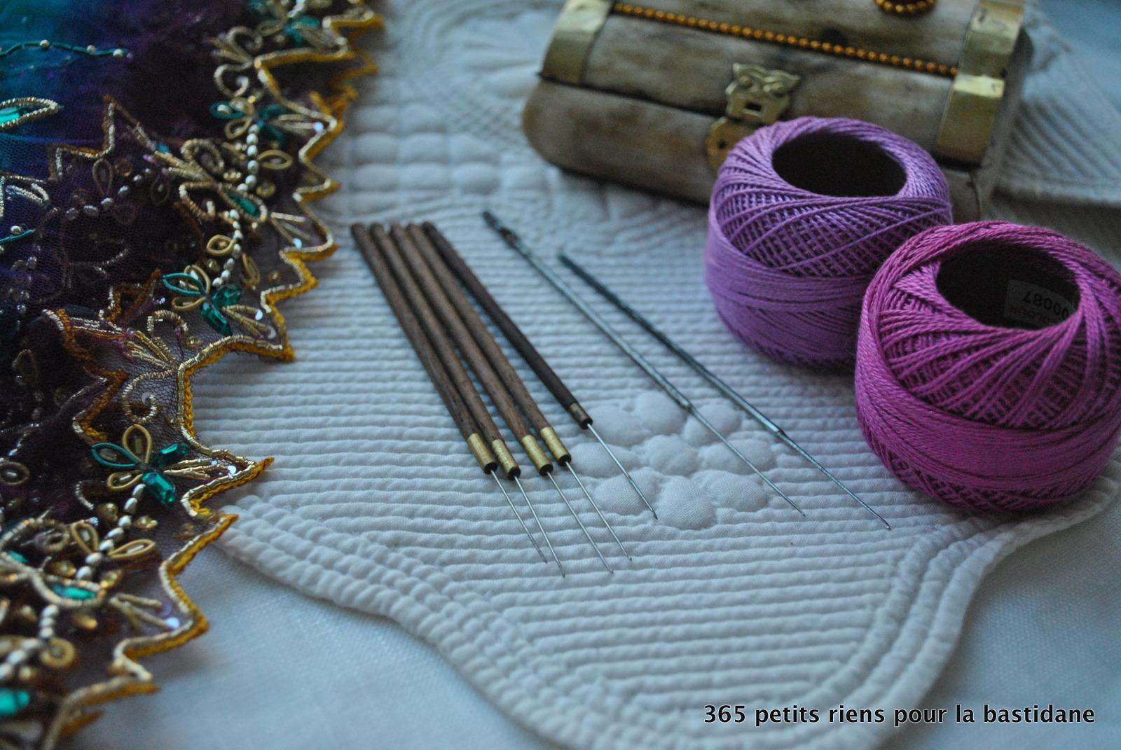 Indian embroidery les petits riens de la bastidane for Machine a coudre 974