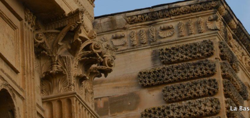 Les dames du temps jadis sont passées par la Tour d'Aigues